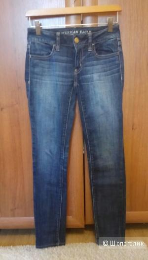 Новые джинсы American Eagle, размер 00