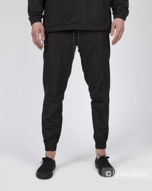 Спортивные мужские брюки, размер М (48-50)