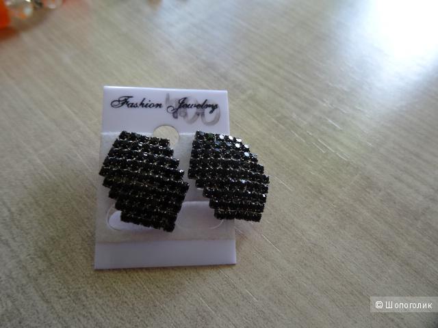 Серёжки, браслет, бусы и кольцо в комплекте, б/у