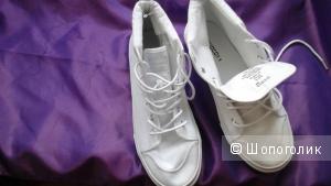 Кеды H&M, 40 размер (НА 39-40 размер), цвет белый.