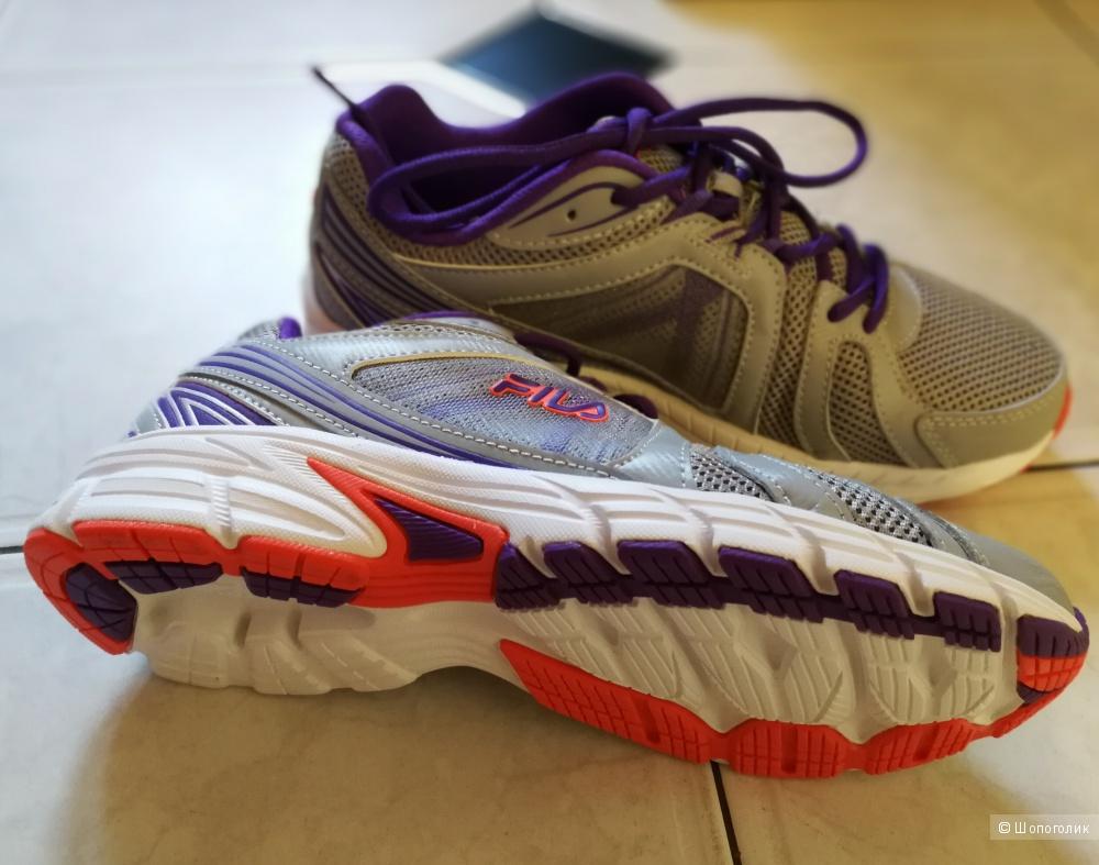 Новые кроссовки FILA, размер 9.5(40)