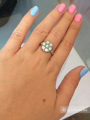 Золотое кольцо с опалами и фианитами (18 размер), б/у