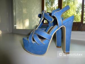Босоножки голубые 35 размер