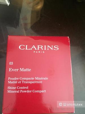 Минеральная матирующая пудра  Clarins в оттенке 03
