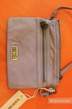Новая кожаная сумочка-малышка Diesel