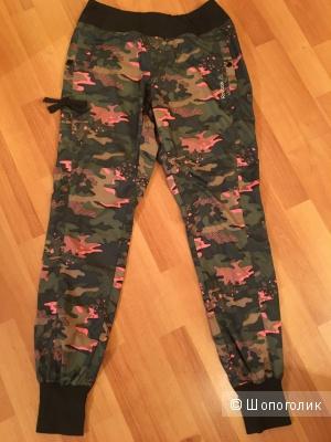 Спортивные брюки Reebok, размер 44 -46