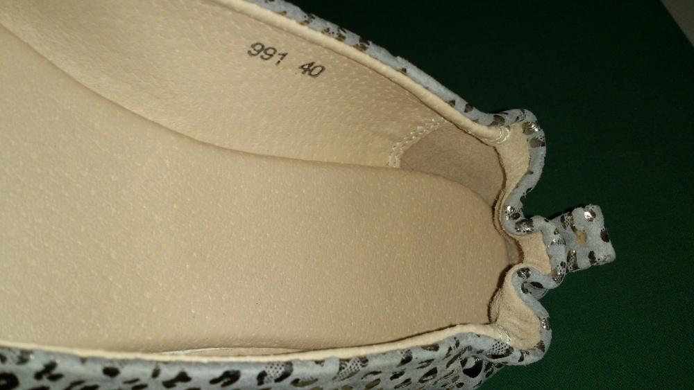 Балетки серебряные с пряжкой, маркировка 40, подойдут на стопу 24,5 - 24,7 см