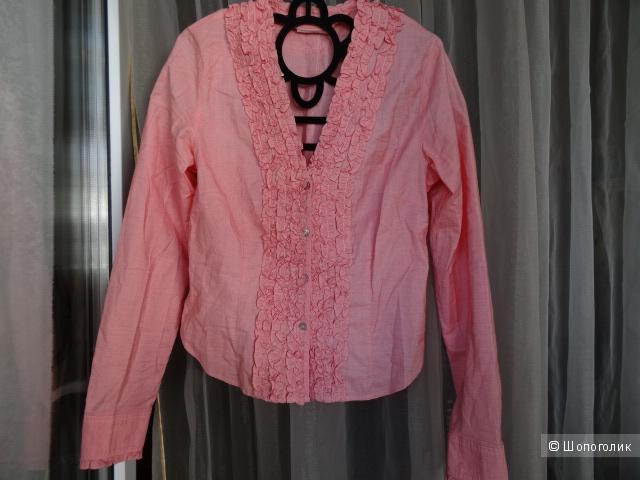 """Рубашка с рюшами """"NEWHOUSE"""", размер 42-44, б/у"""