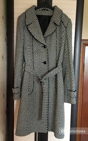 Пальто осеннее размер S