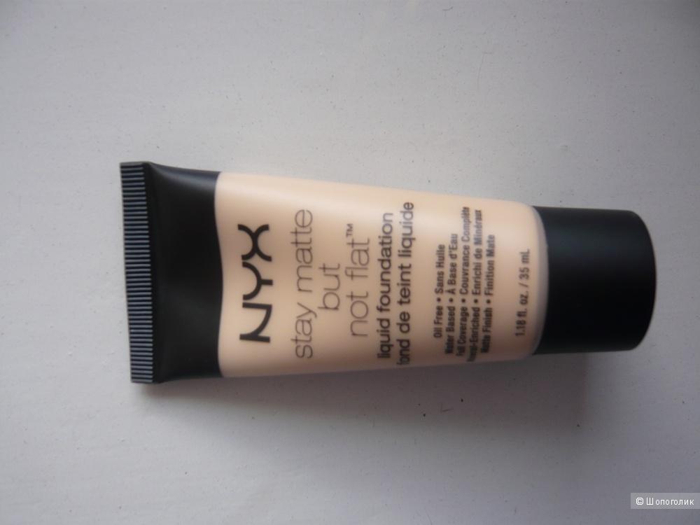 Матирующая тональная основа от NYX