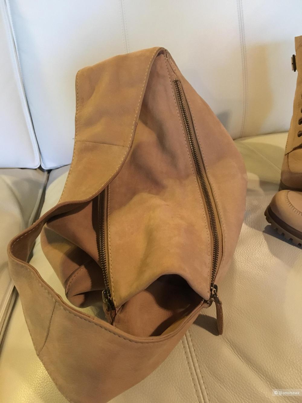Комплект из трёх предметов- сумка Global, ботильоны Aldo 36 размер, ремень.