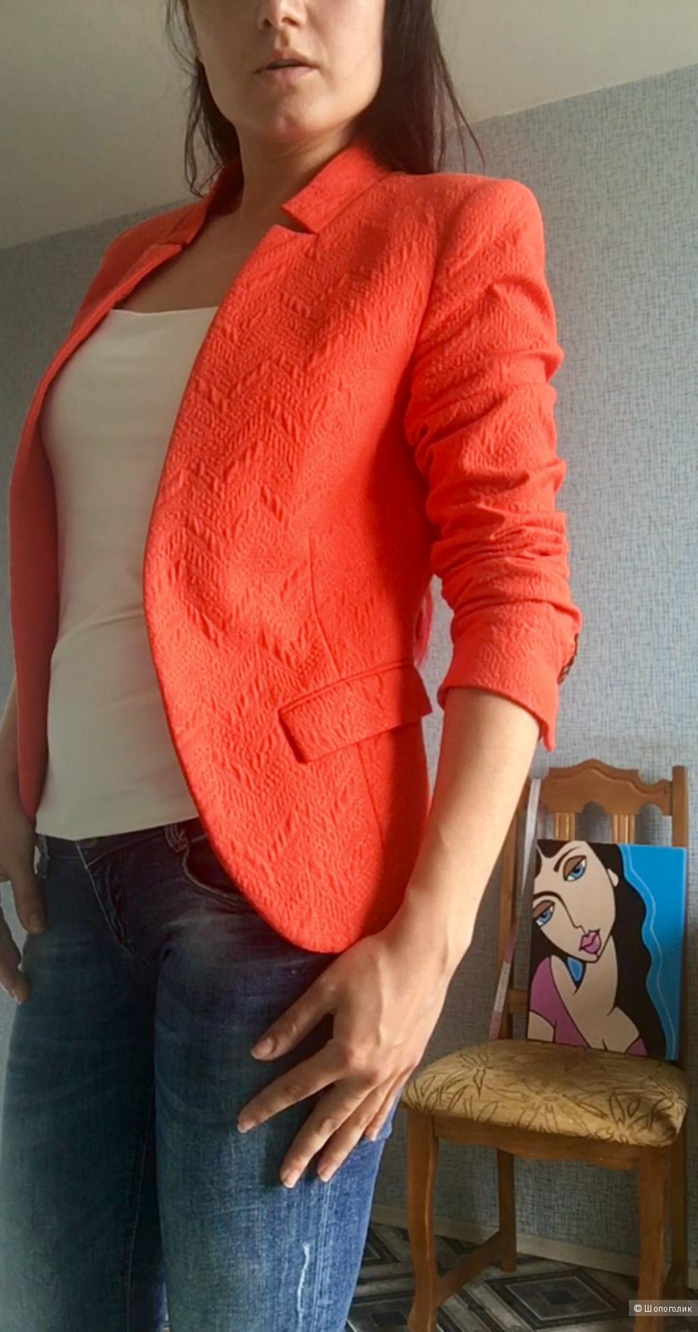 Пиджак Zara Basic.  Размер S 42-44
