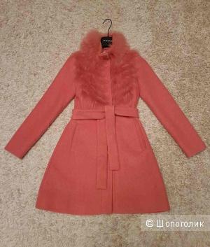 Новое пальто PINKO, 40 размер