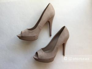 Туфли светло-бежевые на высоком каблуке марки Mango размер 39-40