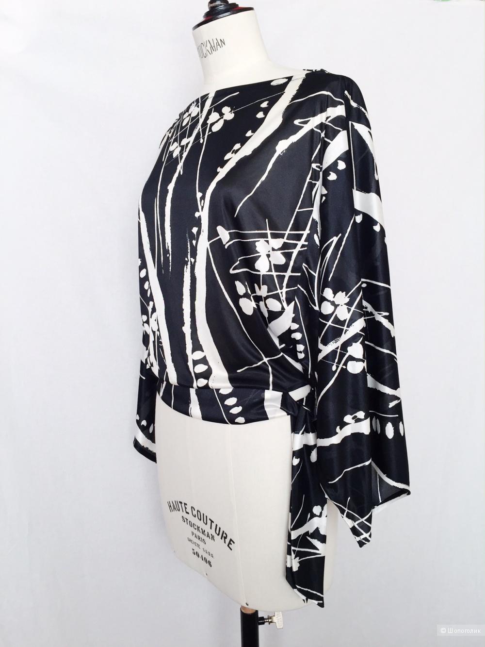 Черно- белый топ рисунк- абстракция от MANGO размер 46-48