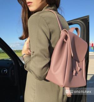 Классный рюкзак темно-пудрового цвета из мягкой ЭКОкожи среднего размера.
