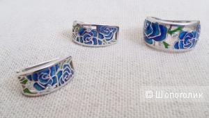 Красивый, ажурный серебряный комплект (кольцо + серьги), эмаль  SOKOLOV