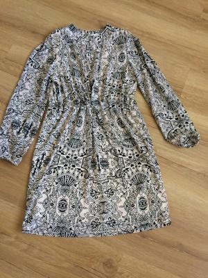 Платье-рубашка р-р 40-42
