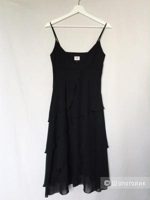 Коктельное платье- сарафан  из шифона на бретелях марка BAY размер 40-42