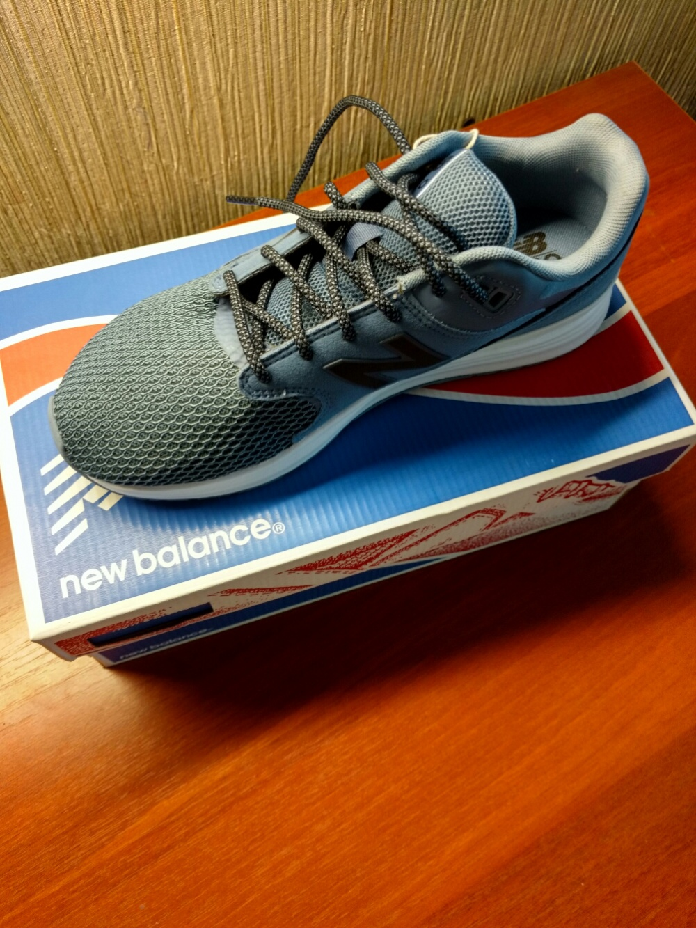 Кроссовки New balance 1550  размер 38, 5