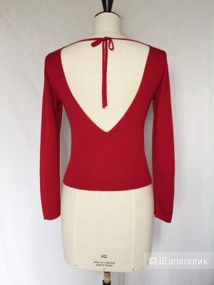 Шикарная красная кофточка с открытой спиной марки SISLEY размер S