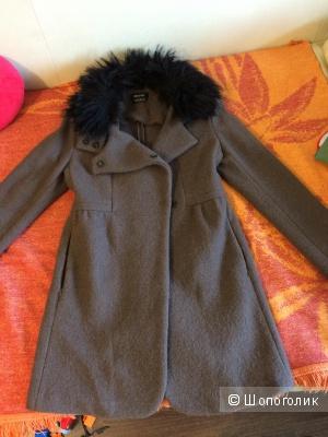 Пальто Isabel de Pedro размер 42 российский