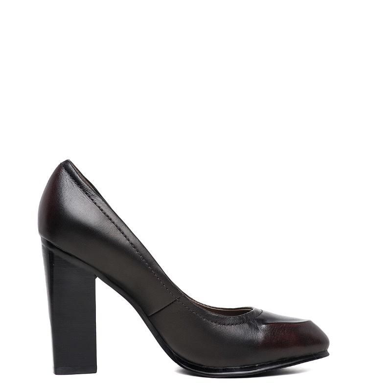 Кожаные туфли на каблуке 37й размер фирмы  Ressonny