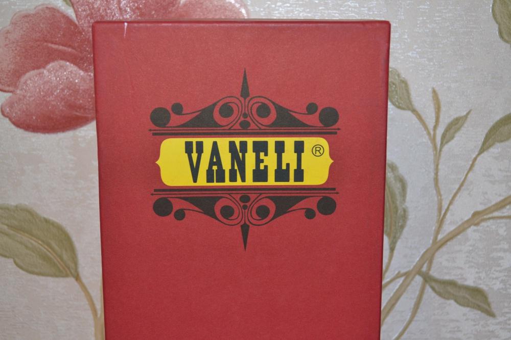 Босоножки VANELI, размер 4,5 (амер.) на 34 (росс.)