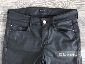 Джинсы брюки скинни черные с эффектом кожи Massimo Dutti 42 рус.
