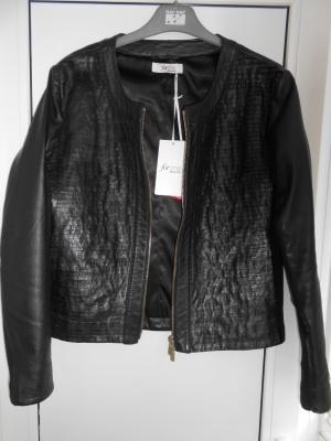 Кожаная куртка elena miro ( Италия ) р. 46 .