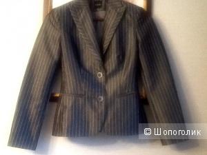 Костюм  юбка и пиджак Эстония 40 размер