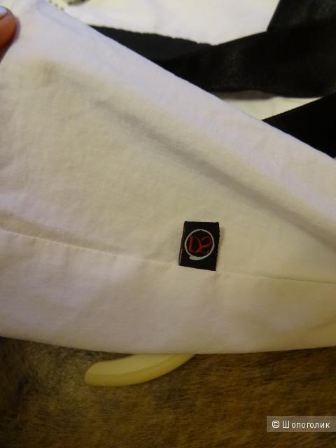 Костюм двойка дизайнерской марки, размер 44, б/у