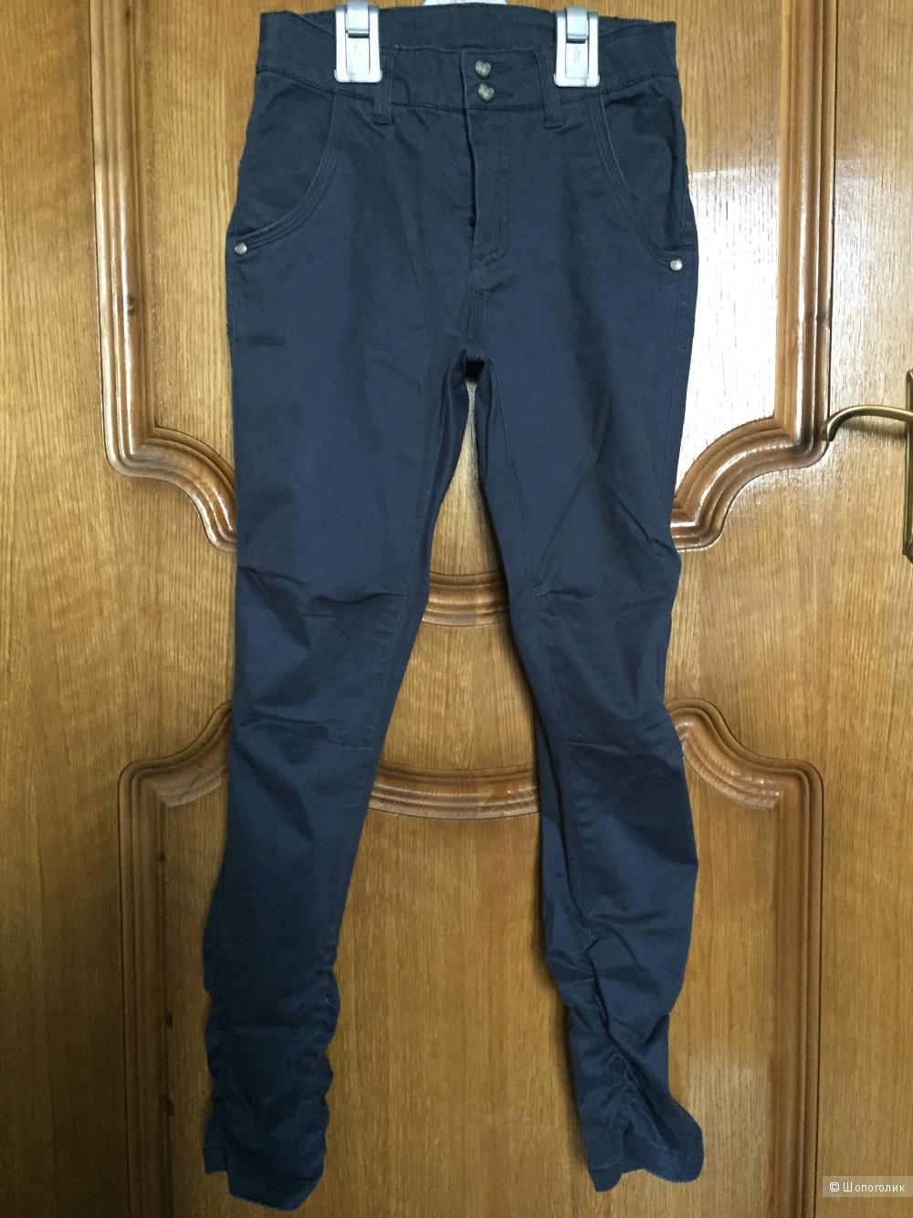 Хлопковые брюки для девочки ф.POMPdeLUX 140 разм