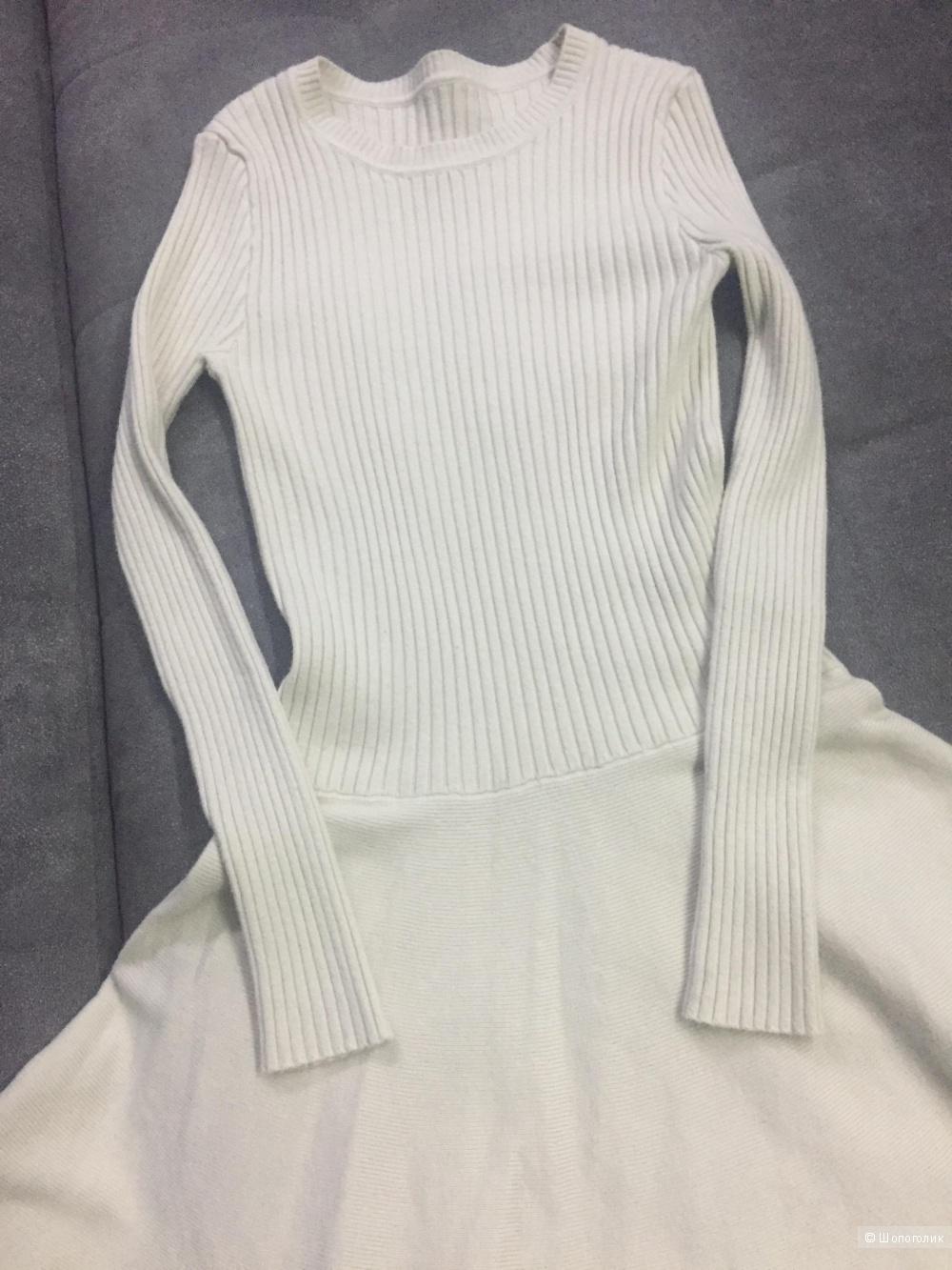 Новое трикотажное платье размер 40-42