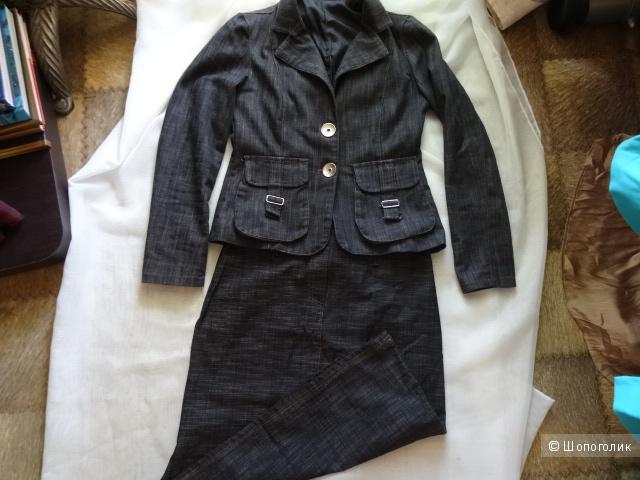 Итальянский джинсовый пиджак-куртка, размер S, б/у