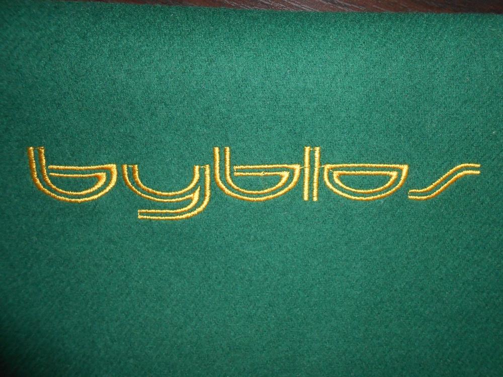 Брендовый шарф byblos ( Италия ).
