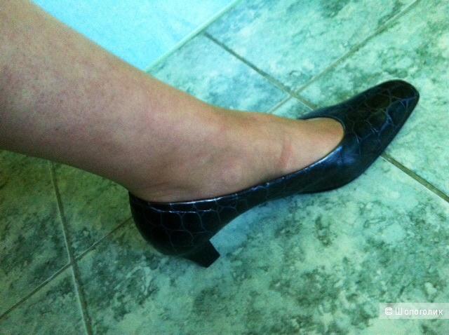 Туфли GABOR,6-1/2 на 39-39,5 размер