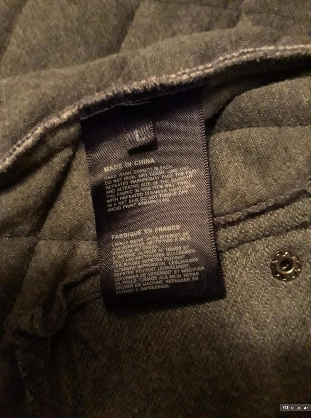 Стёганная облегчаная куртка.раз.L