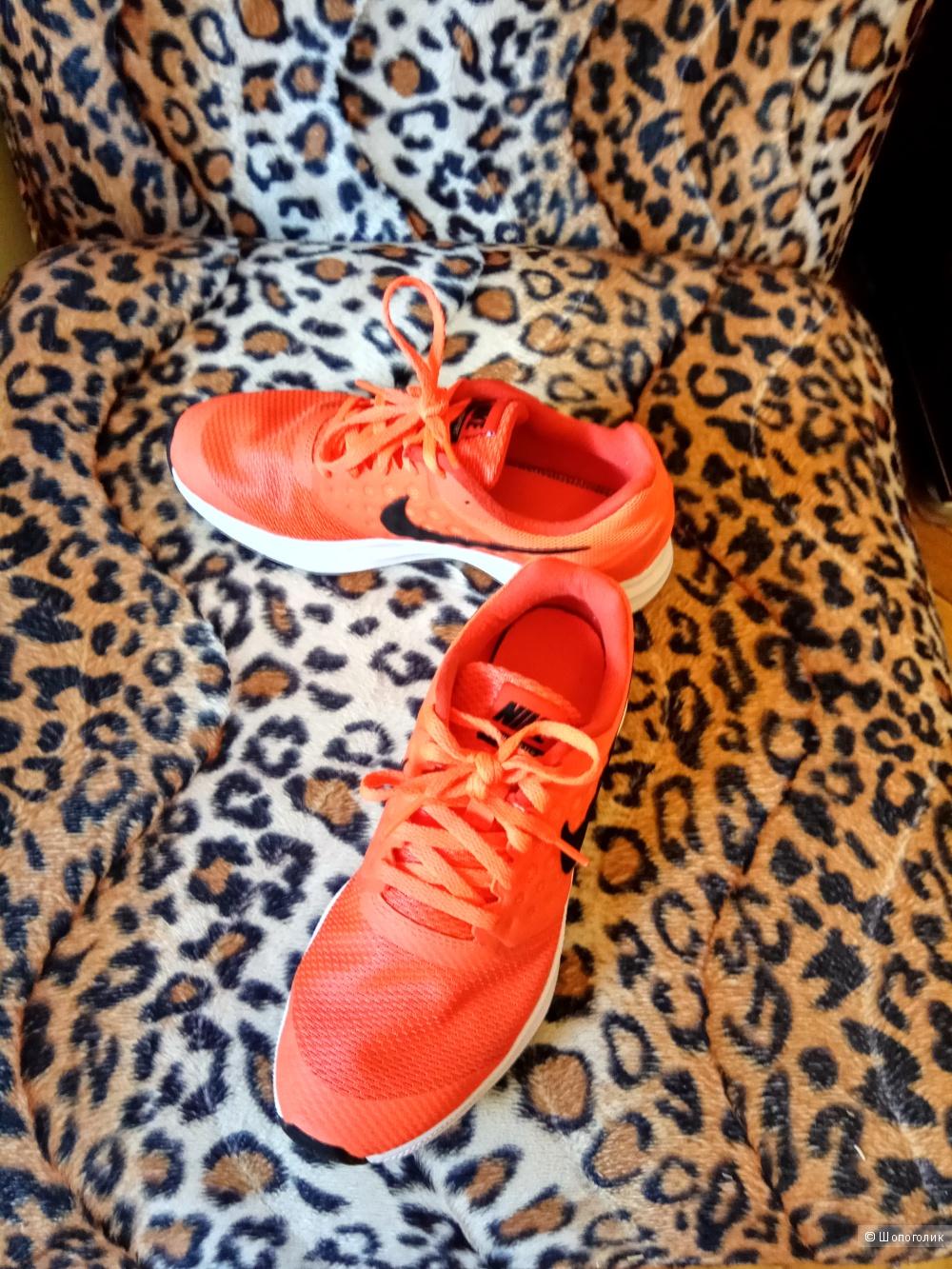 Кроссовки Nike.36