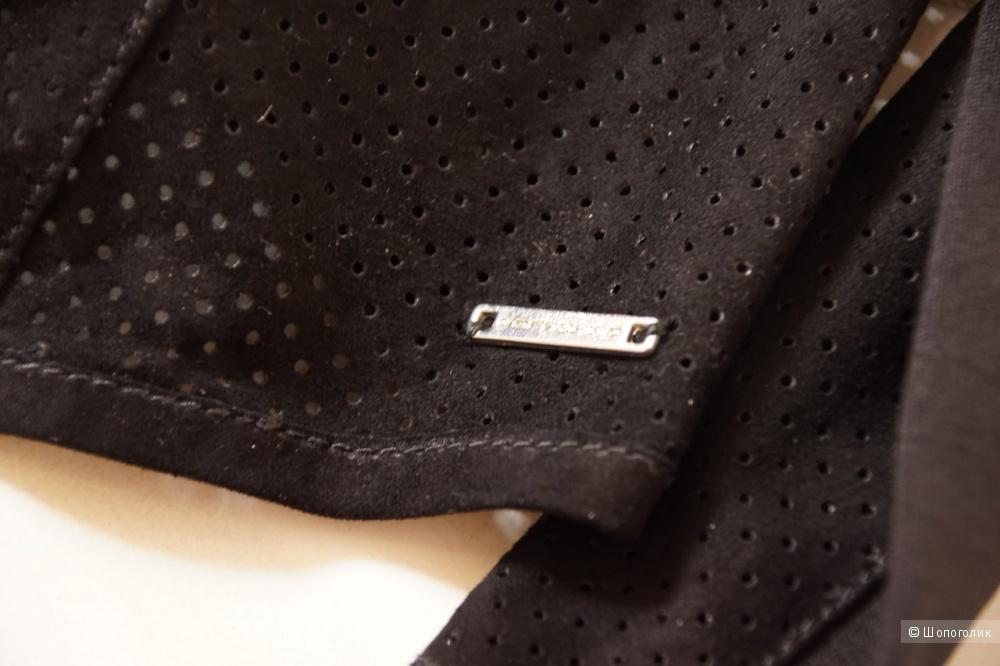 Новый кожаный жакет Fornarina - S