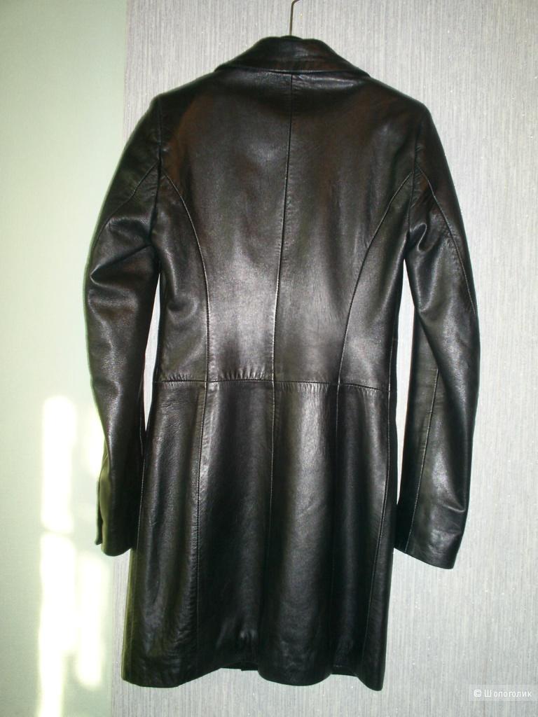 Кожаный плащ от Karen Millen р 8 евр на 40-42 русс.