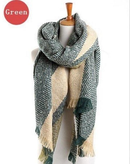 Тёплый, объемный  шарф на осенне-зимний период