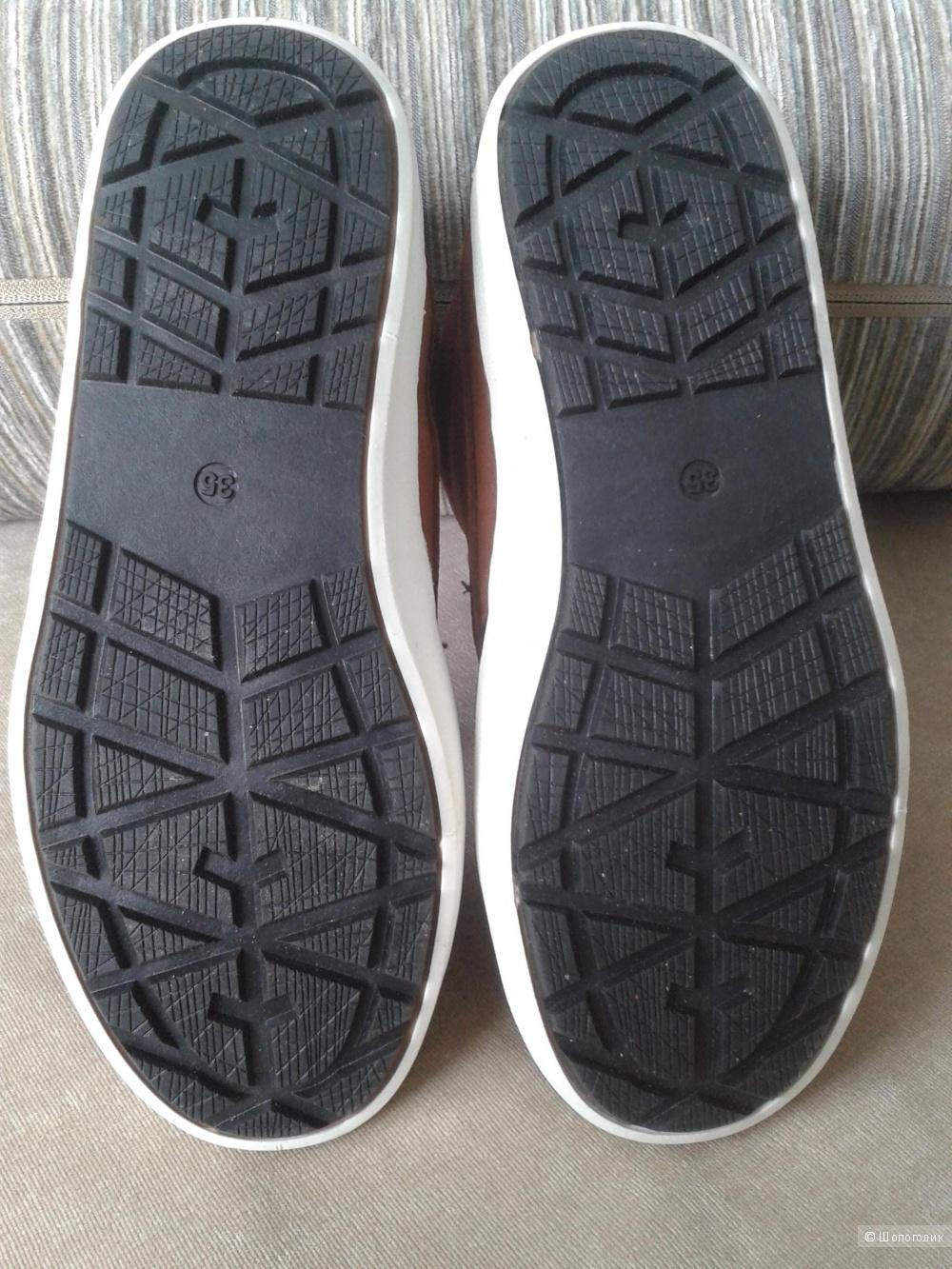 Замшевые ботинки,35р.Greyhound.