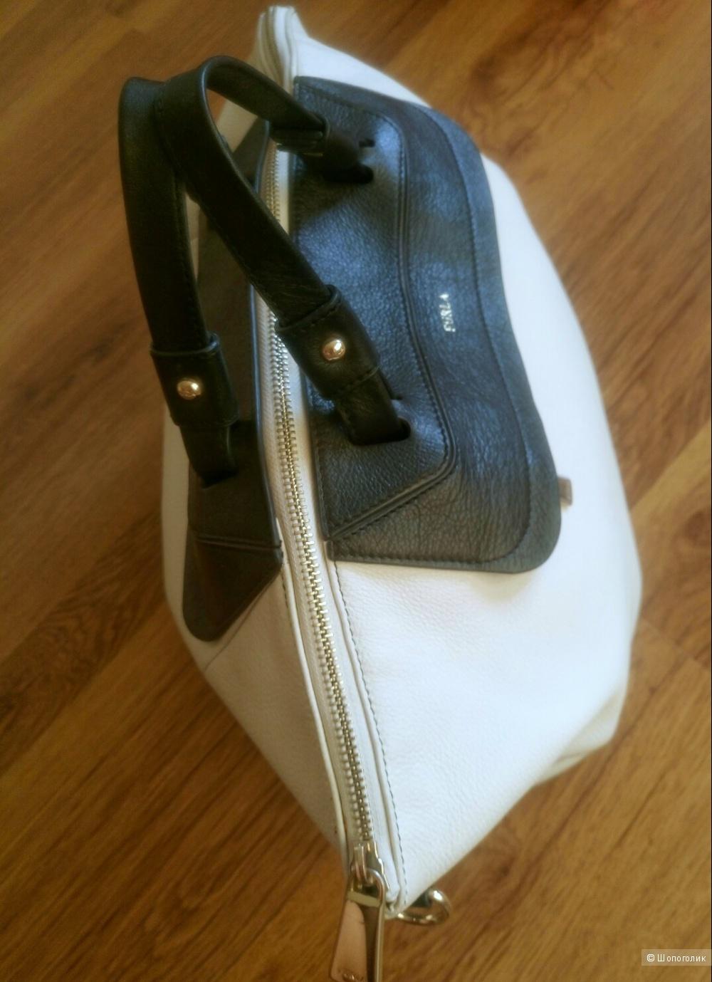 Пристрою сумку Furla