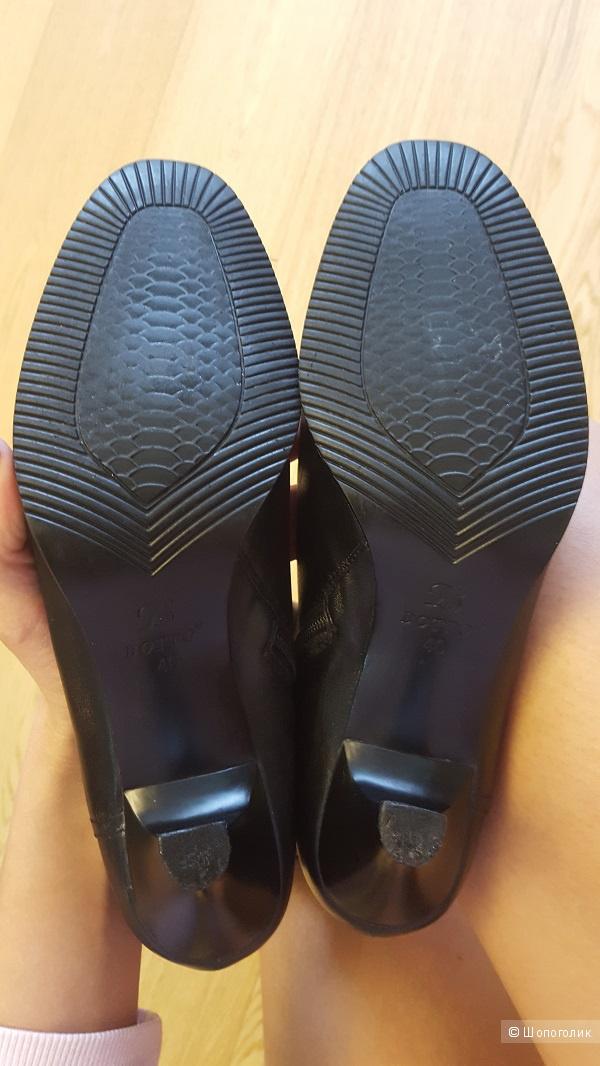 Демисезонные кожаные сапоги, размер 40, но подойдут на 41 (27см. по стельке)