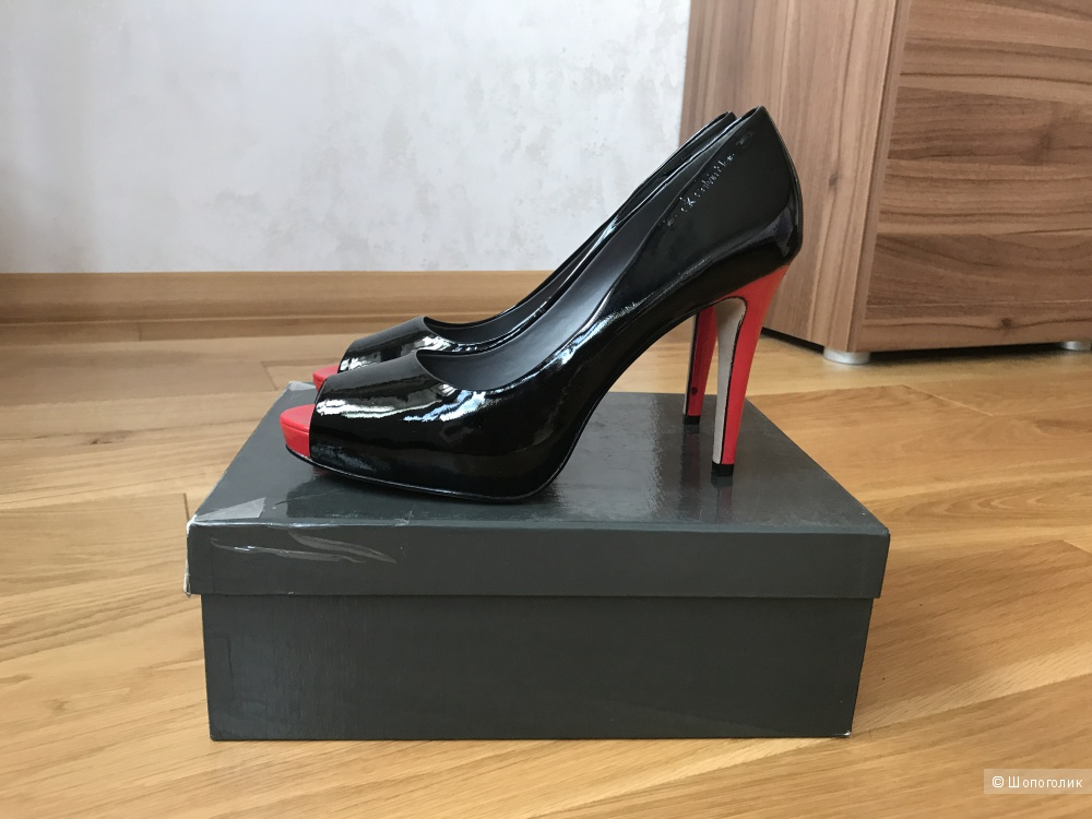 Туфли Calvin Klein р-р 39