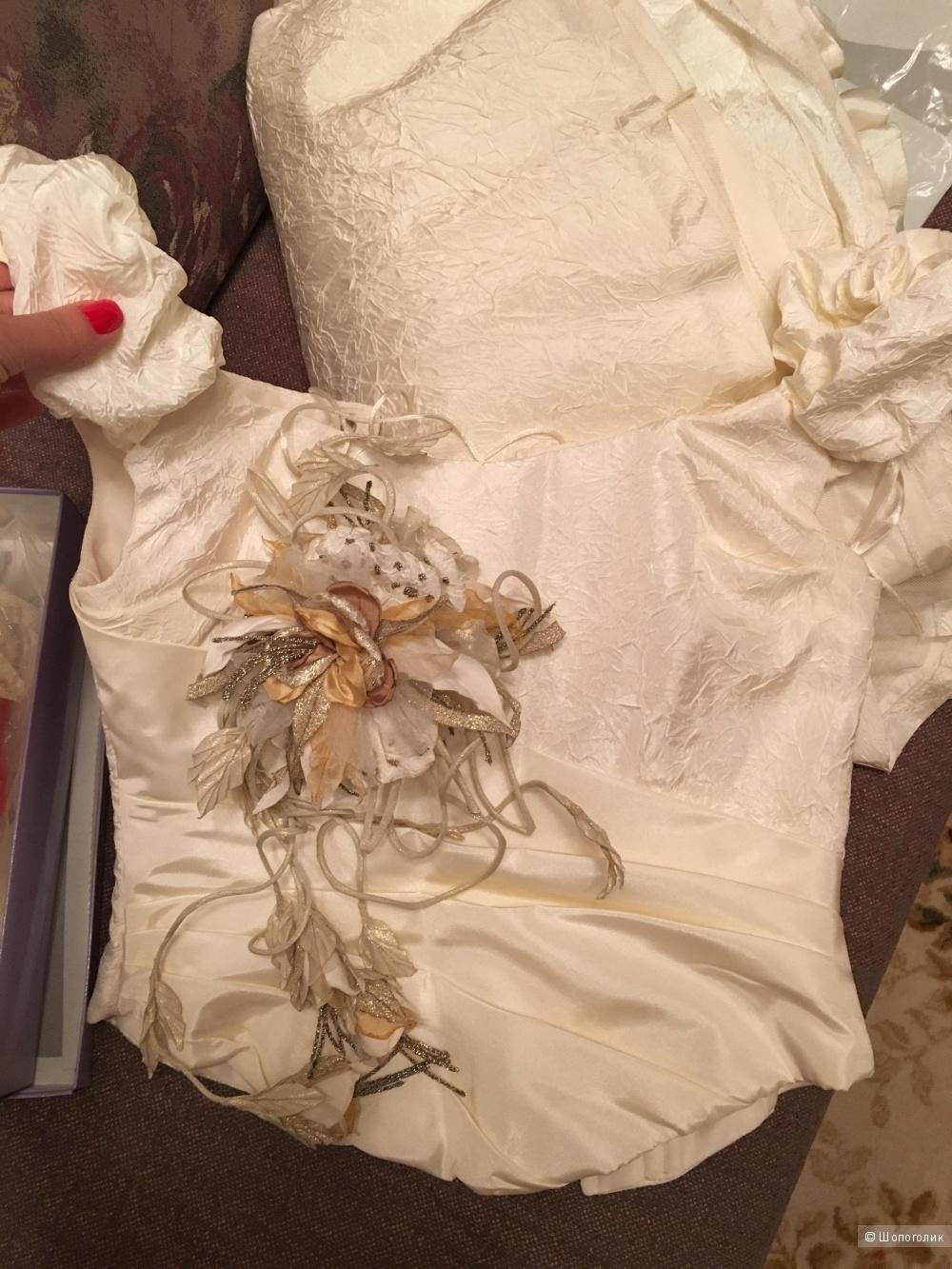 Свадебное платье 42р