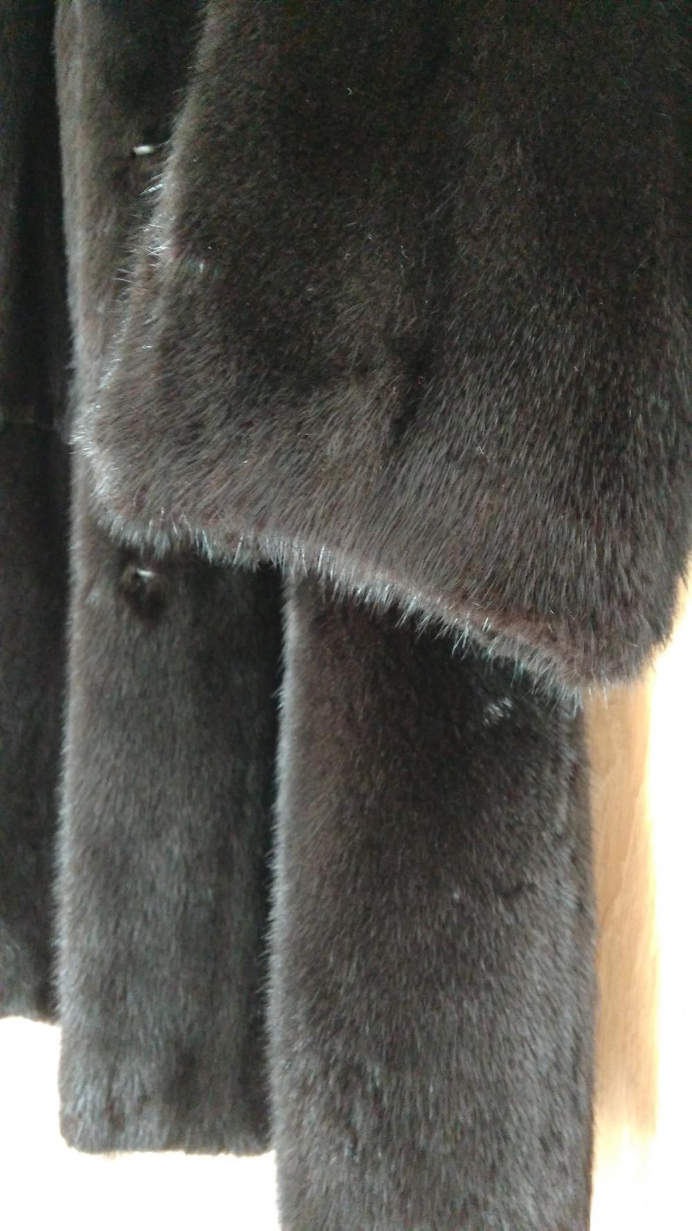 Пристрою норковую шубу Marco Varni Черный бриллиант 44-46 разм