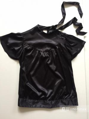 Черная атласная блузка с коротким рукавом и бантом марки TRF размер 40-42