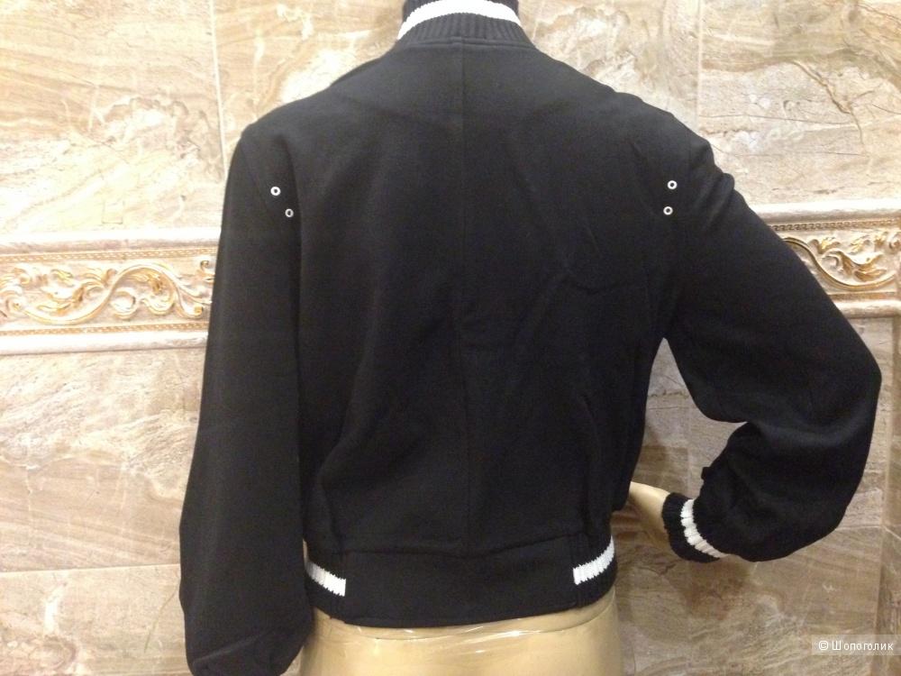 LaROK женская трикотажная курточка-ветровка р.44 Новая.Оригинал